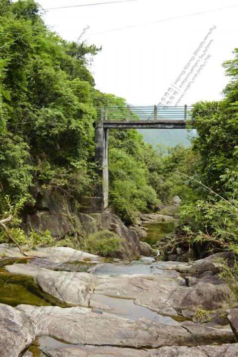 石澗 Rocky stream